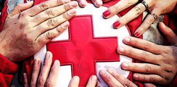 mani su croce rossa salute poster