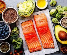 Farmacista: anche se specializzato in nutrizione, non può prescrivere diete