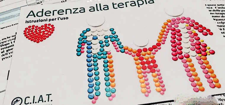 Anziani, uno su due dimentica di prendere i farmaci, campagna Ciat per l'aderenza