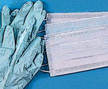 """Covid, Ecdc sui guanti : """"Non esistono prove sufficienti per raccomandarne l'uso"""""""