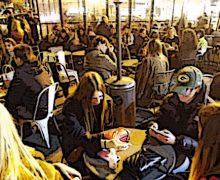 Lazio, movida con troppi assembramenti, si profila l'obbligo di mascherine