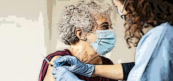 Emilia Romagna, vaccino per la fascia d'età 75-79 anni, si prenota anche in farmacia