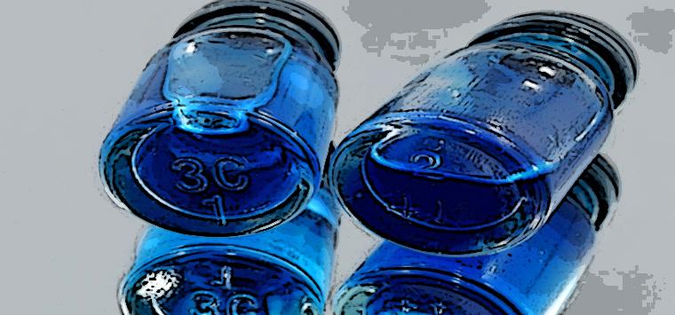Trovata del Lazio per impedire usi impropri degli avanzi del vaccino: colorarli di blu