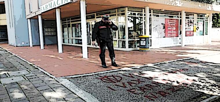 Ravennate, scritte no-vax davanti a farmacie, Fofi scrive a Speranza e Lamorgese